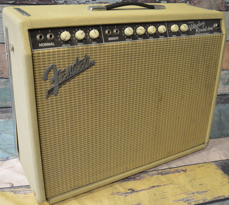Vibrolux Reverb Amp  -  Cat No:   -  Click To Order  -  ID: 4281