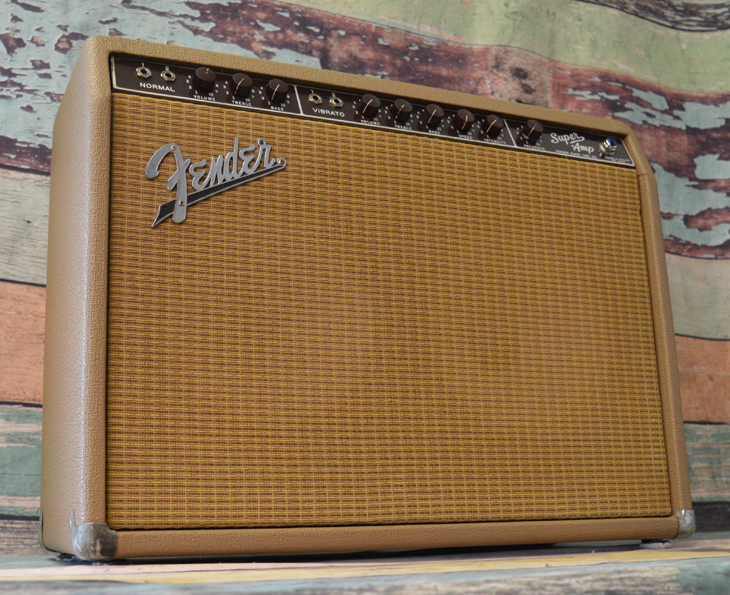 Fender Super Amp  -  Cat No:   -  Click To Order  -  ID: 4412